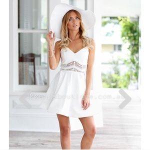 Xenia Chantilly 2.0 white dress size 8 / US SMALL